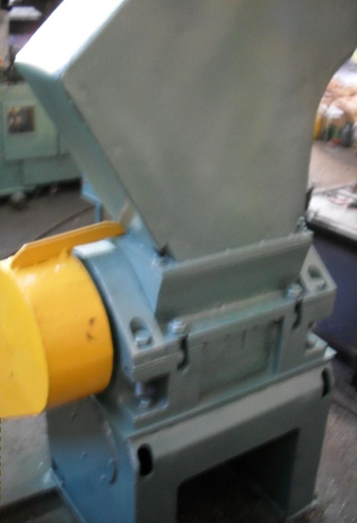 Дробилка ипр-300 руководство по эксплуатации дробильно сортировочный комплекс в Заинск
